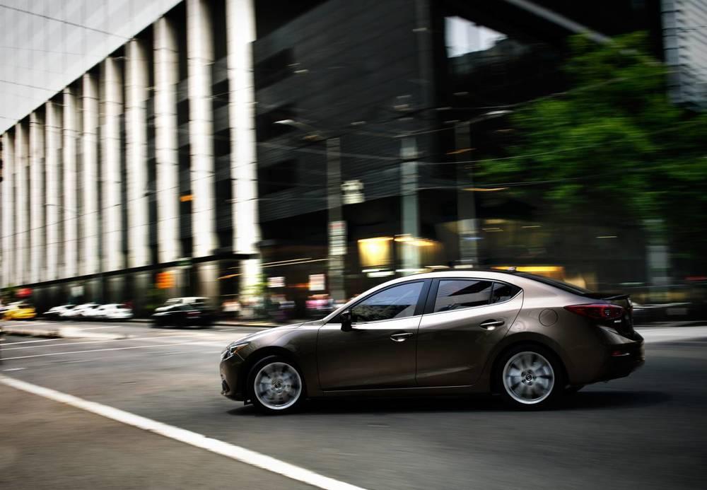 2014 Mazda3 j.jpg
