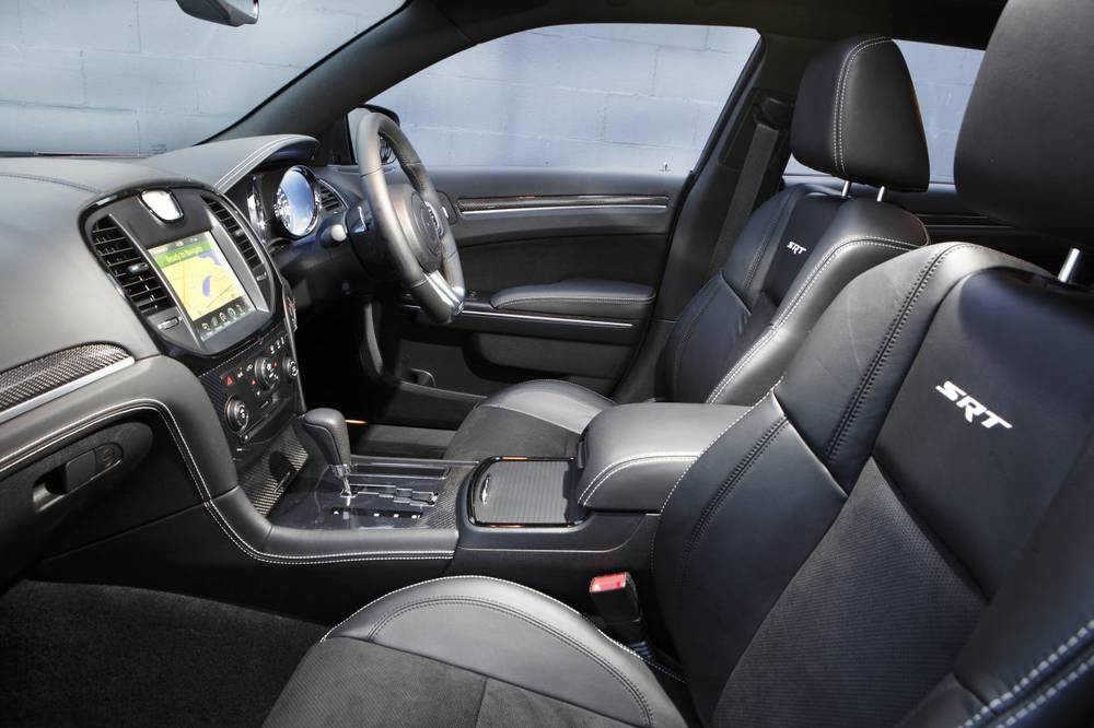 2014 Chrysler 300 SRT8 Core interior.jpg