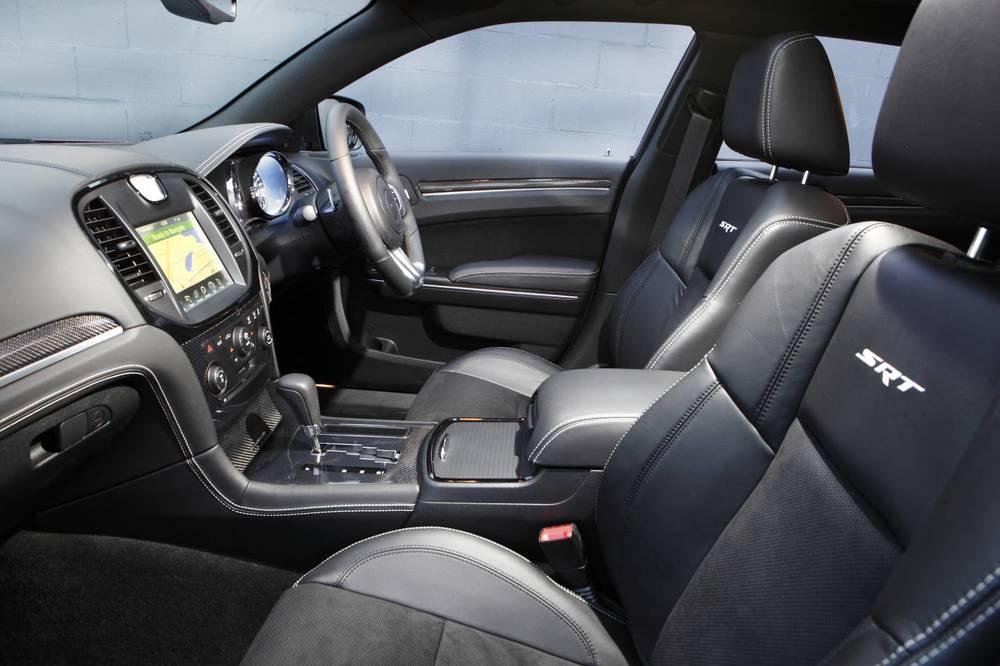 2014 Chrysler 300 SRT8 Core interior.jpg
