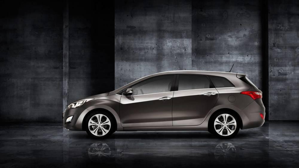 2014 Hyundai i30 Tourer f.jpg