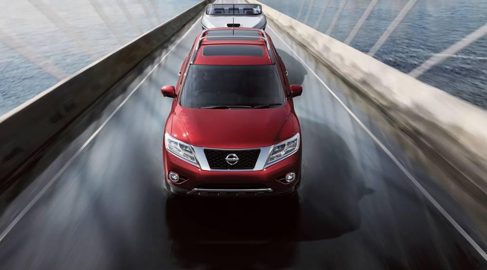 2014 Nissan Pathfinder 08.jpg