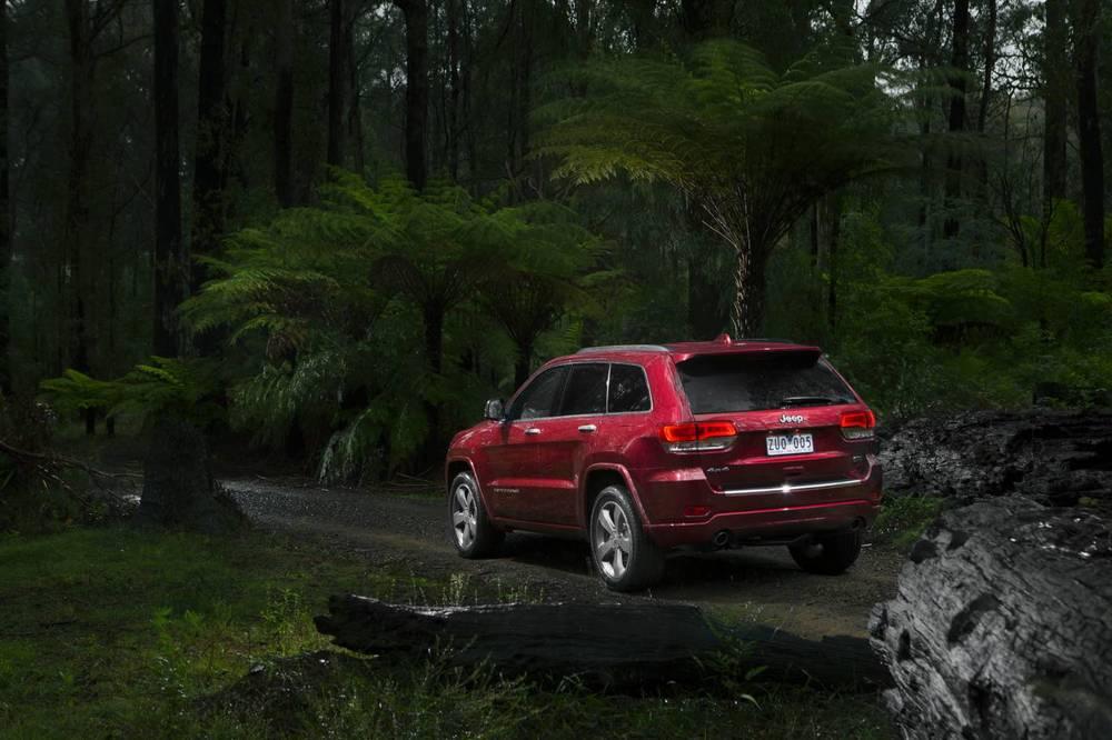 2014 Jeep Grand Cherokee 2.jpg