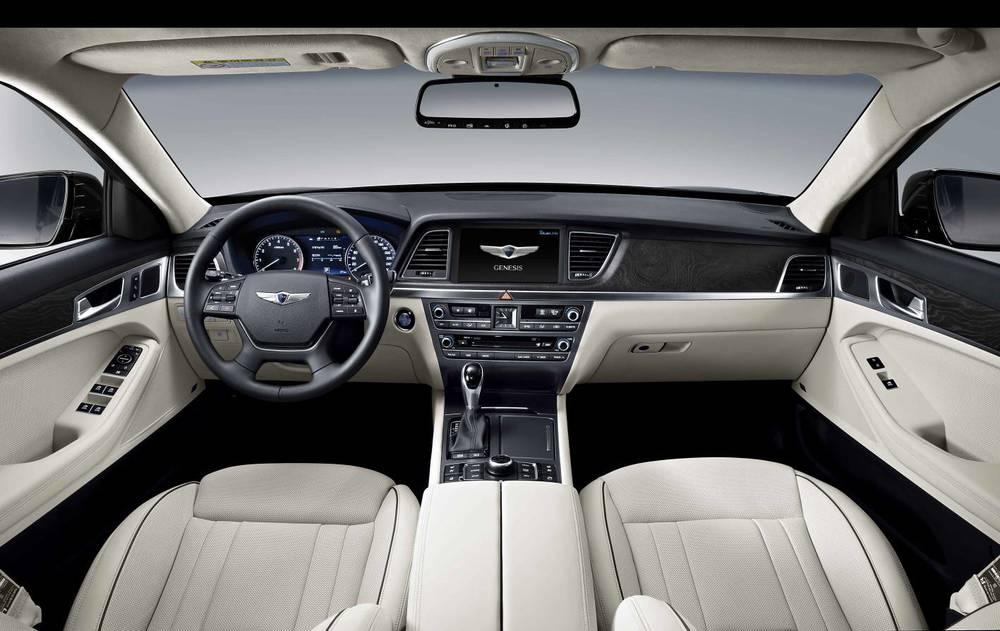 2015 Hyundai Genesis sedan 10.jpg