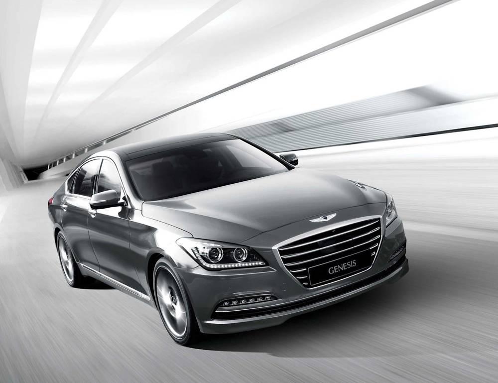 2015 Hyundai Genesis sedan 18.jpg