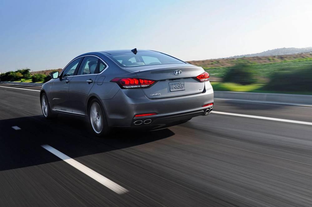 2015 Hyundai Genesis sedan 23.jpg