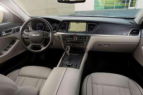 2015 Hyundai Genesis sedan 27.jpg