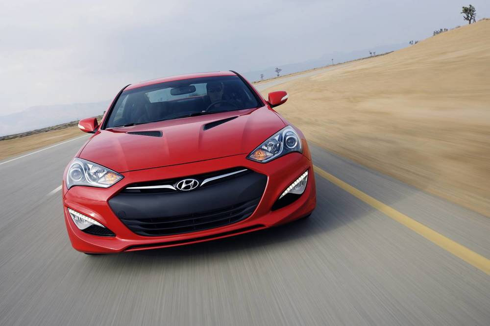 2015 Hyundai Genesis coupe 10.jpg