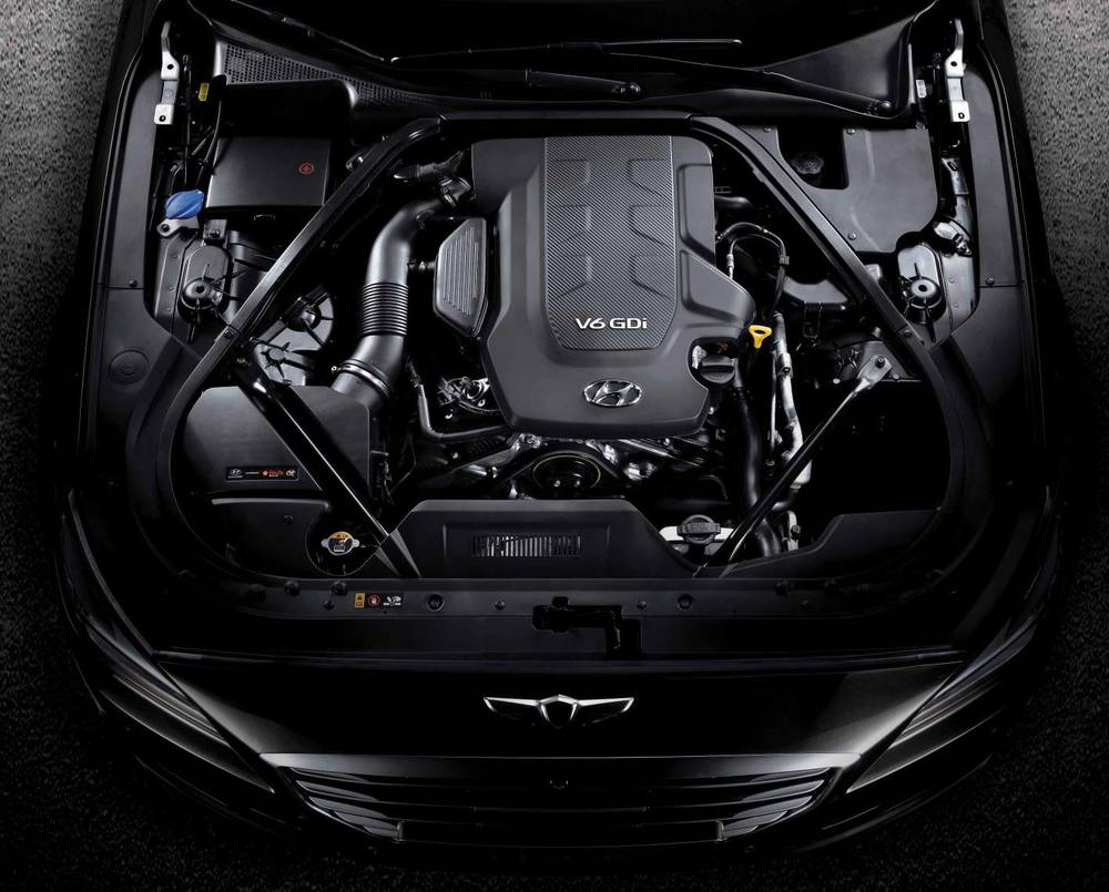 2015 Hyundai Genesis sedan 21.jpg