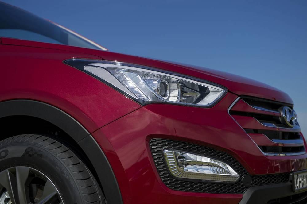 2014 Hyundai Santa Fe Active 19.jpg