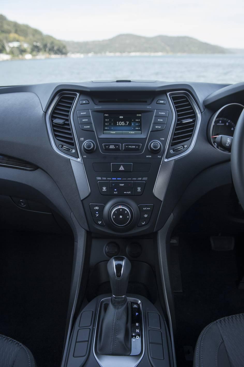 2014 Hyundai Santa Fe Active 22.jpg