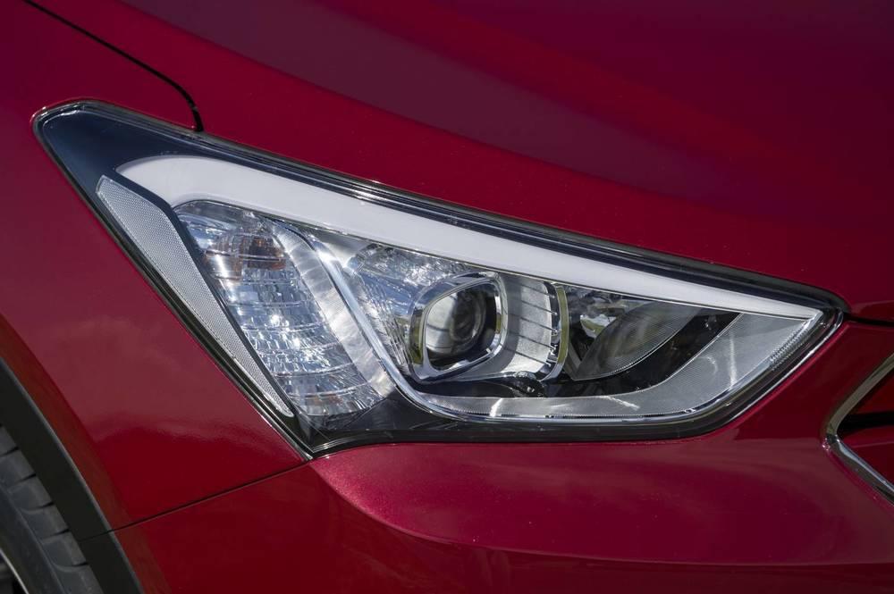 2014 Hyundai Santa Fe Active 20.jpg
