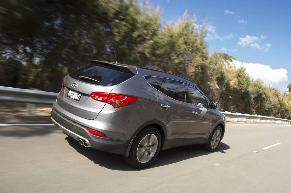 2014 Hyundai Santa Fe Elite 07.jpg