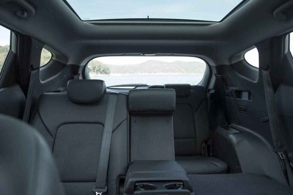 2014 Hyundai Santa Fe Highlander 26.jpg