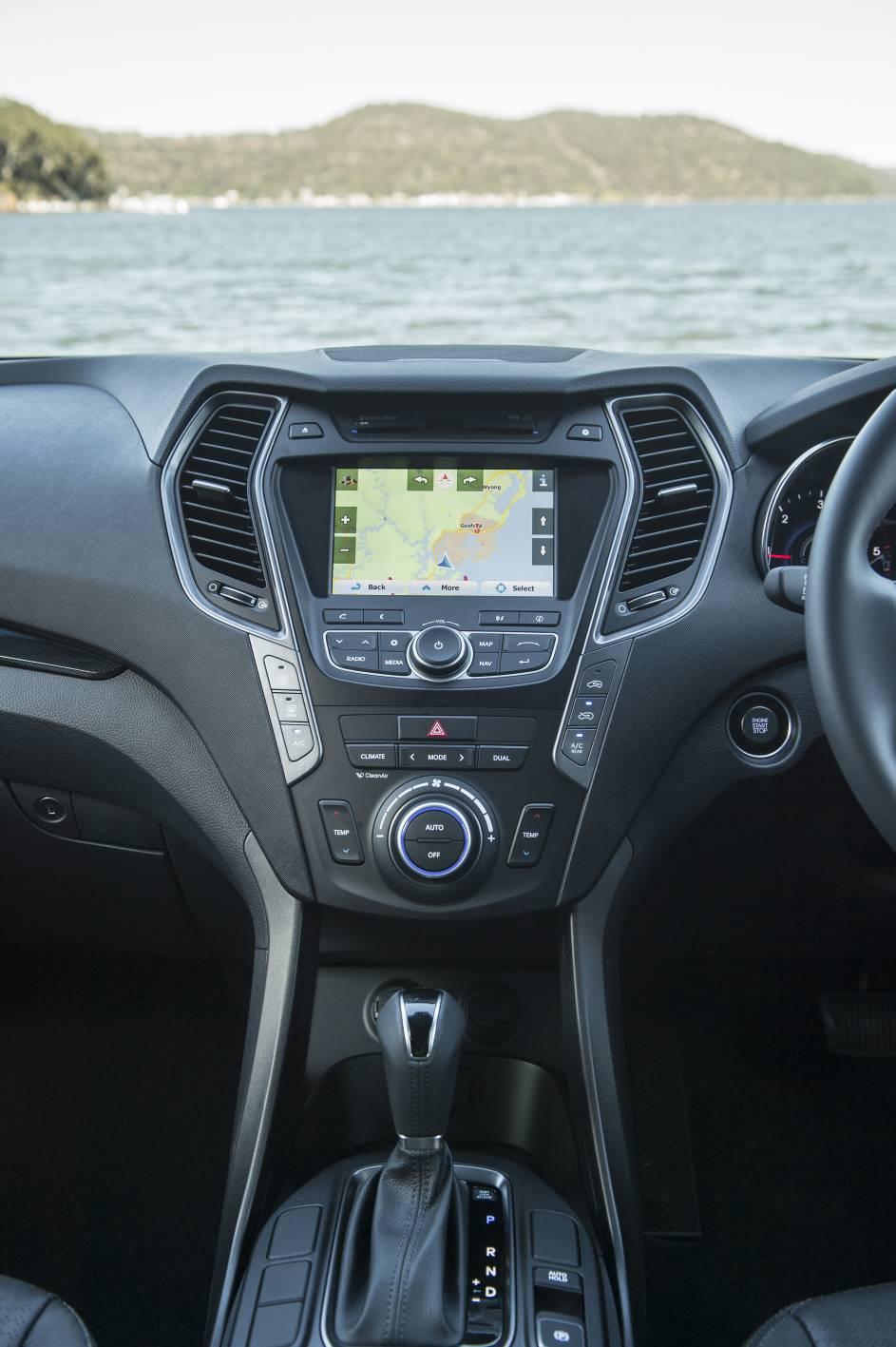 2014 Hyundai Santa Fe 8.jpg