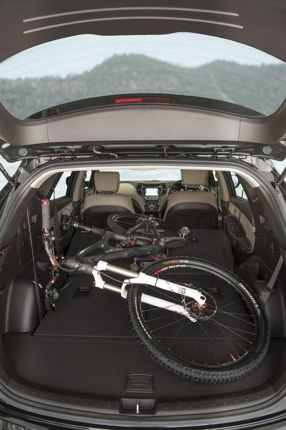 2014 Hyundai Santa Fe 9.jpg
