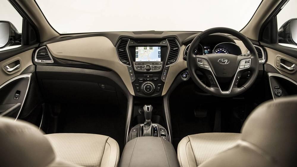 2014 Hyundai Santa Fe 12.jpg