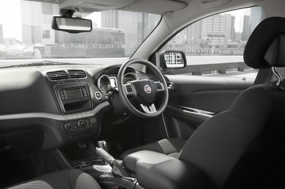2012 Fiat Freemont 13.jpg