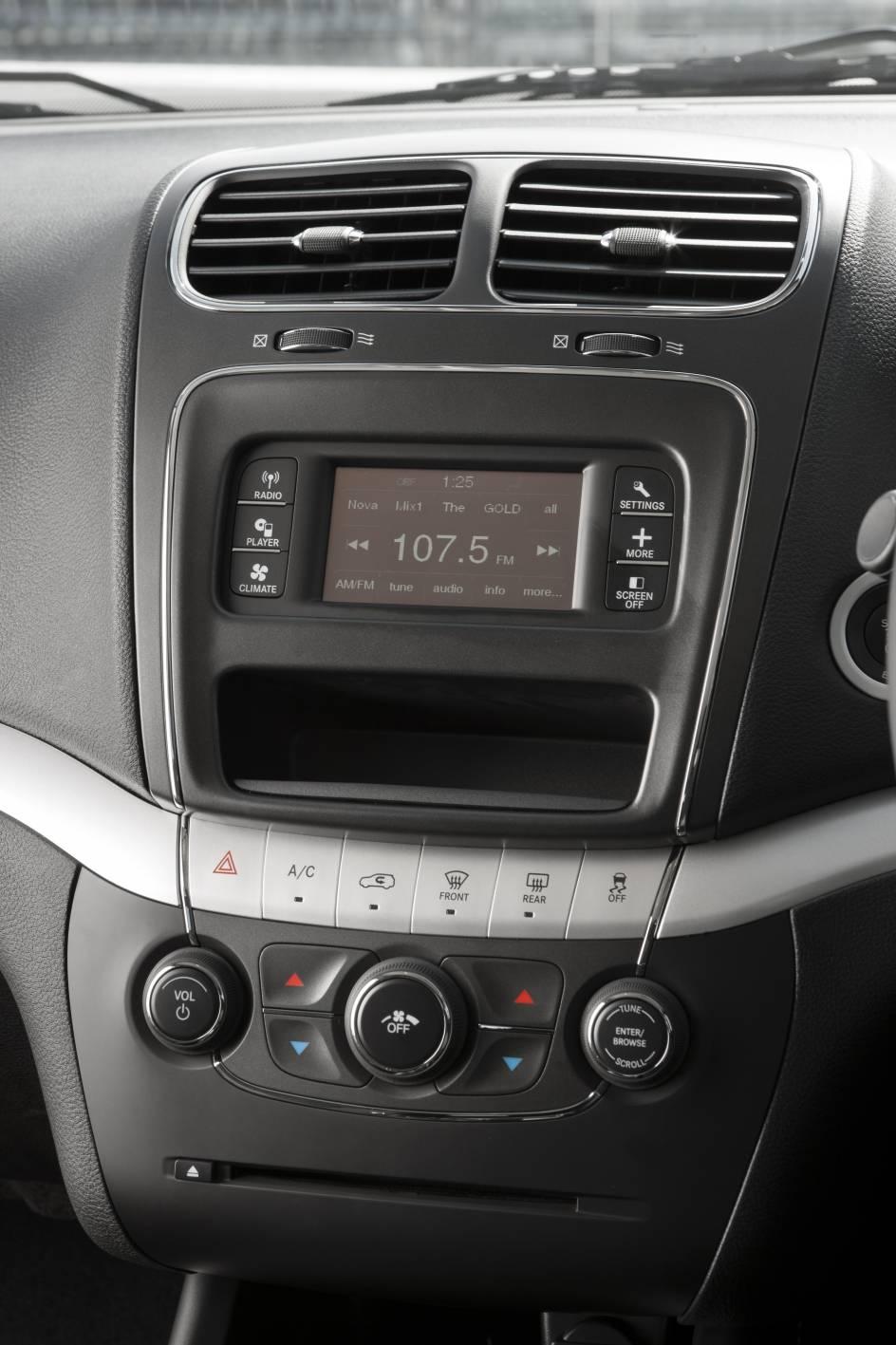 2012 Fiat Freemont 14.jpg