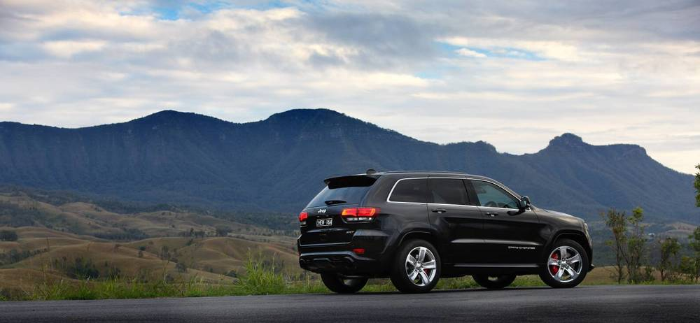 2014 Jeep Grand Cherokee SRT g.jpg