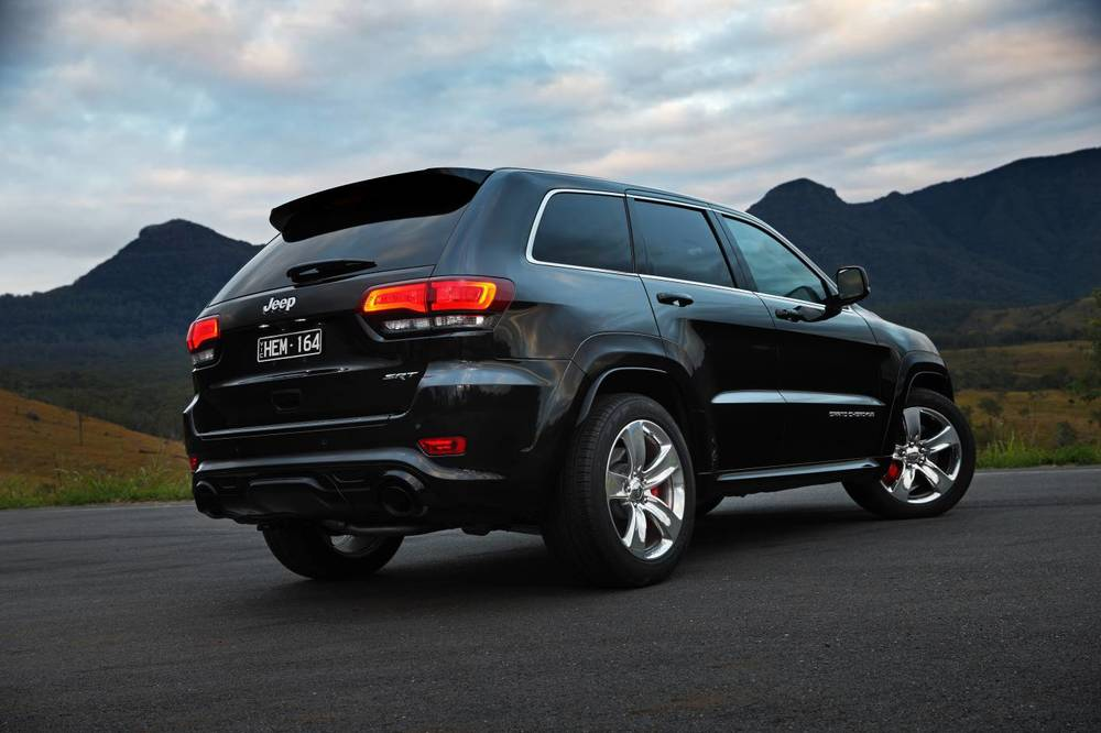 2014 Jeep Grand Cherokee SRT h.jpg