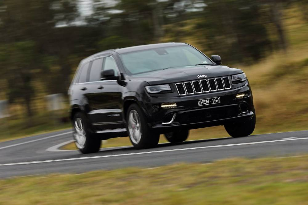 2014 Jeep Grand Cherokee SRT i.jpg