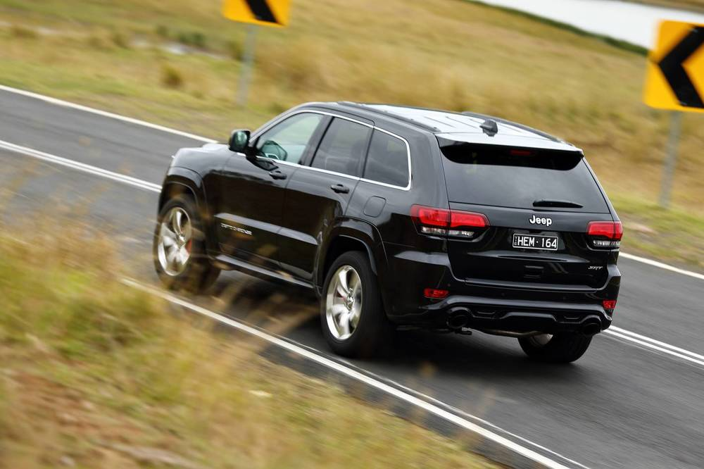 2014 Jeep Grand Cherokee SRT o.jpg