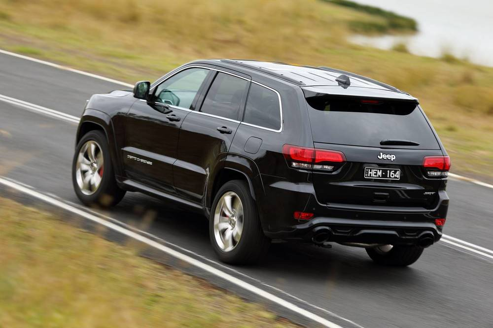 2014 Jeep Grand Cherokee SRT p.jpg