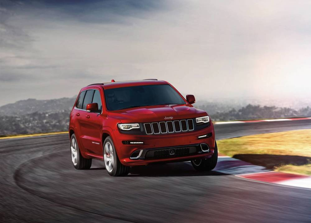 2014 Jeep Grand Cherokee SRT v.jpg