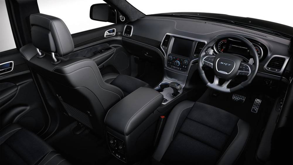 2014 Jeep Grand Cherokee SRT w.jpg