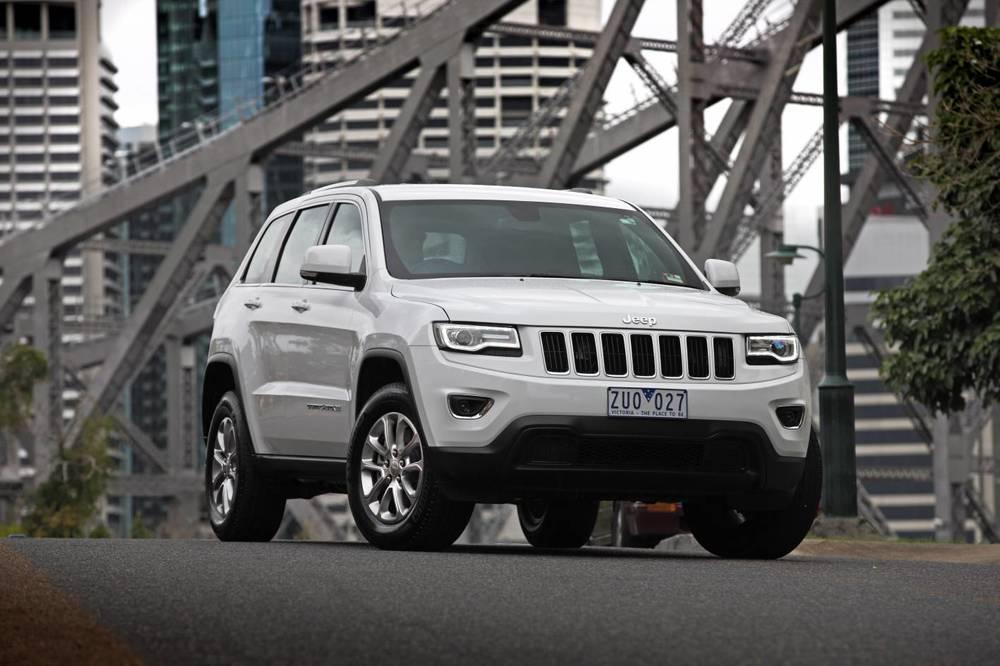 Should I Buy the Jeep Grand Cherokee or the Hyundai Santa ...