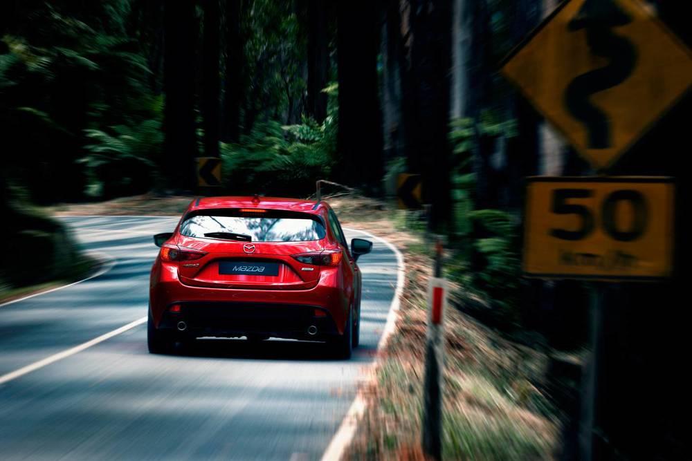 2014 Mazda3 Astina 2.jpg