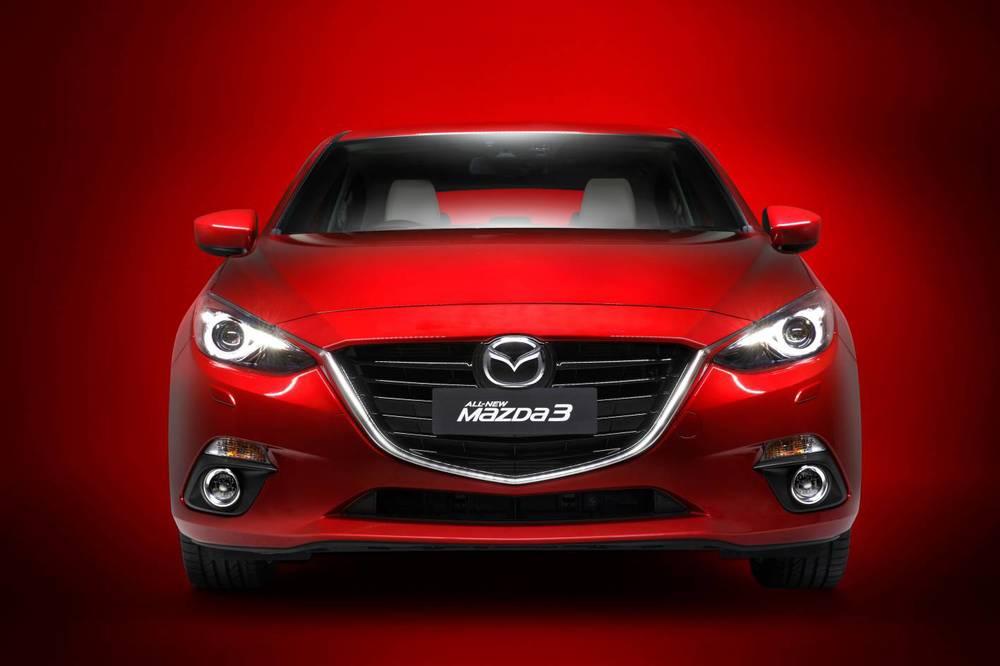 2014 Mazda3 Astina 12.jpg