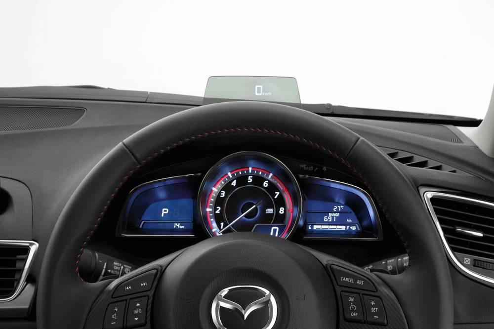 2014 Mazda3 Astina 19.jpg