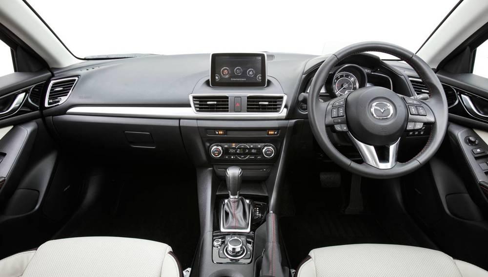 2014 Mazda3 Astina 20.jpg