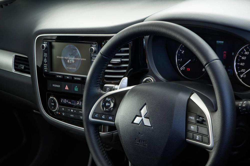 2014 Mitsubishi Outlander 4.jpg