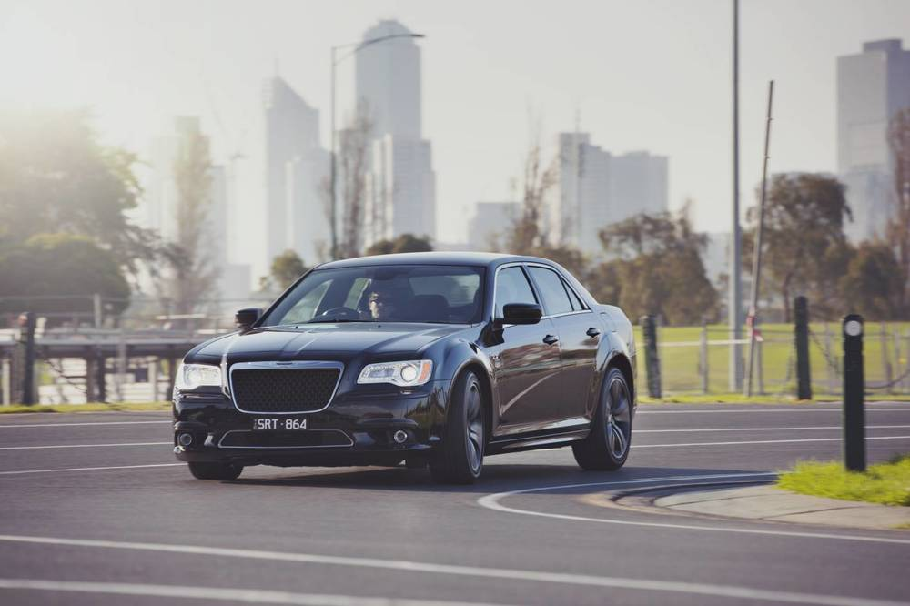 2014 Chrysler 300 SRT8 Core h.jpg