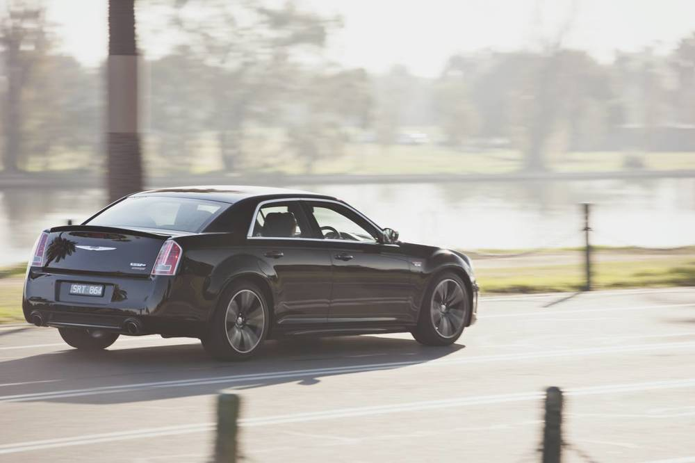 2014 Chrysler 300 SRT8 Core n.jpg