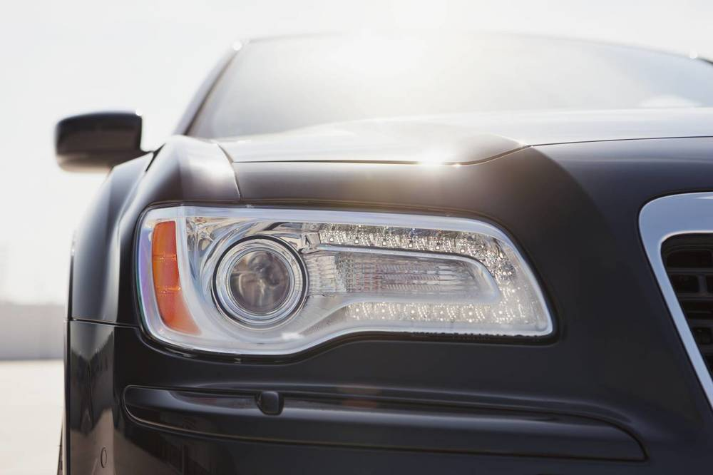 Chrysler 300 SRT8 Core headlight condensation problem