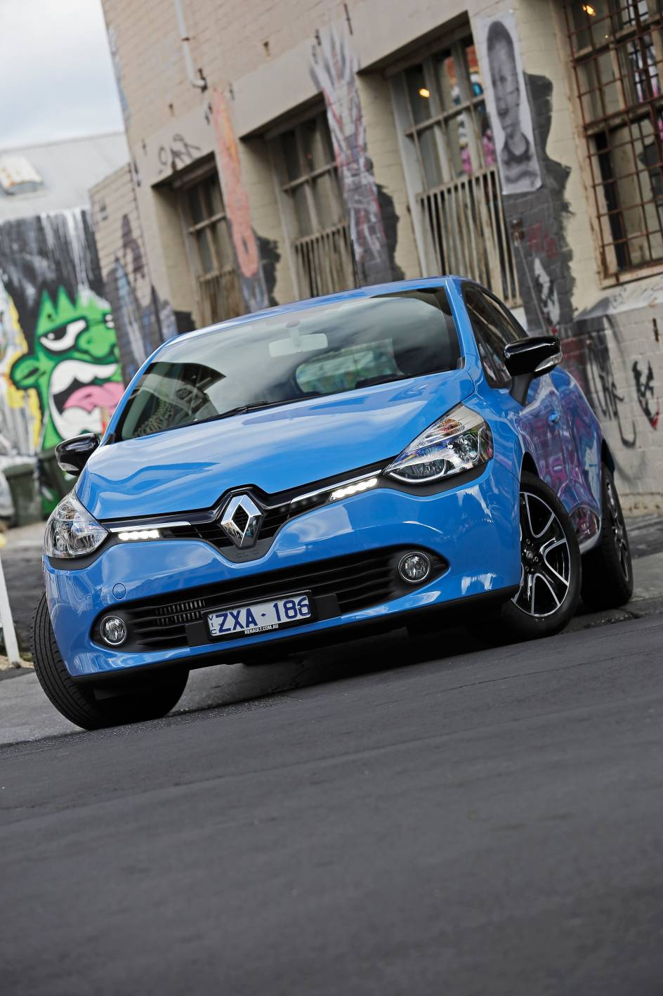 2014 Renault Clio Expression (click to enlarge)