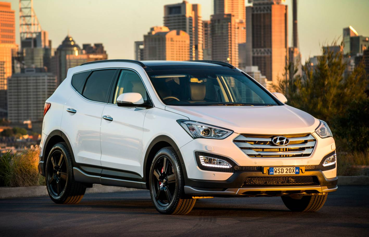 Should I Buy A Hyundai Santa Fe Elite Or A Jeep Grand Cherokee Diesel Auto Expert By John Cadogan Save Thousands On Your Next New Car