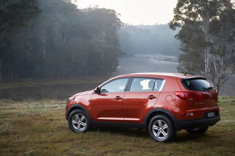 Should I Buy a Hyundai ix35 Kia Sportage Nissan Qashqai or Mazda