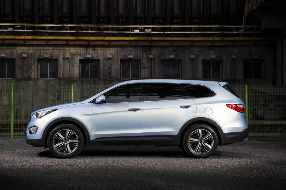 2015 Hyundai Santa Fe e.jpg