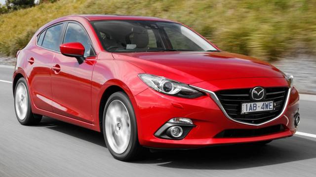 2014 Mazda3 SP25 a.jpg