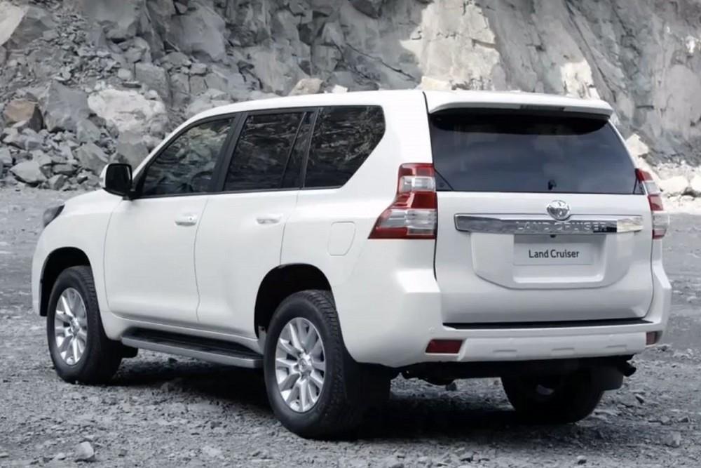 2015 Toyota Prado 2.jpg