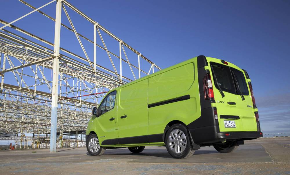 2015 renault trafic review