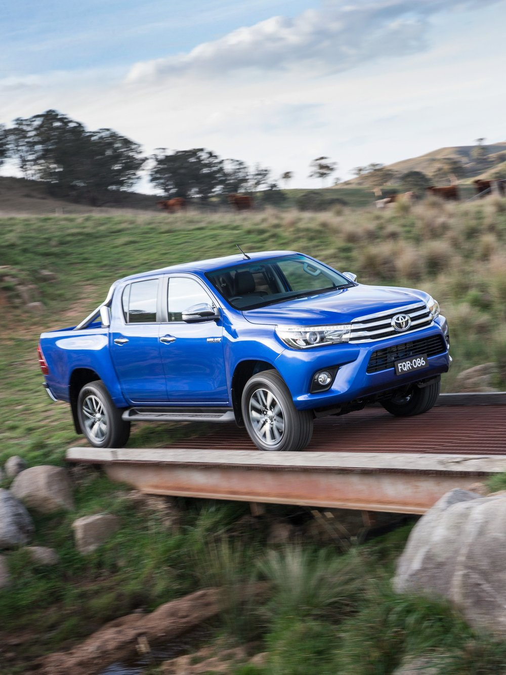 Toyota Hilux Ute 2016 11.jpg