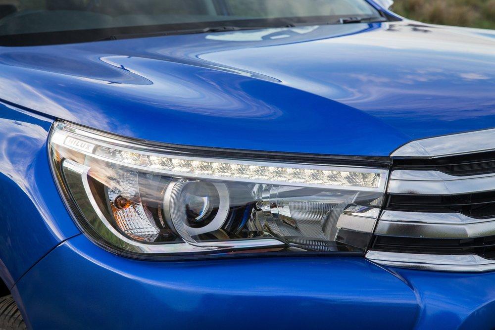 Toyota Hilux Ute 2016 18.jpg