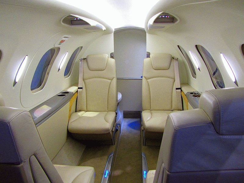 Hondajet_Interior_2011.jpg