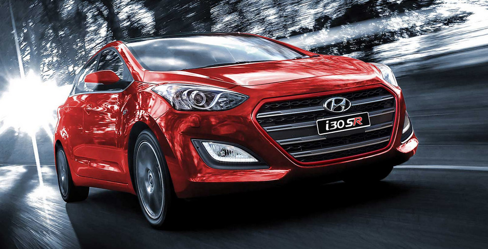 Hyundai i3o SR is a solid competitor against Mazda3 SP25