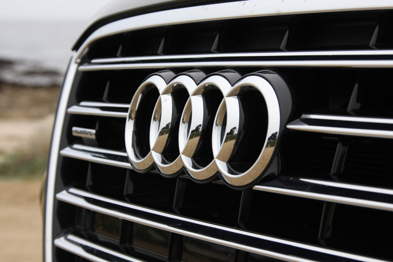 audi-badge-2011-logo.jpg